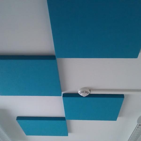 Echo cloud akustický panel